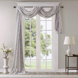 "MadisonPark Irina Diamond Sheer 216"" Window Scarf"